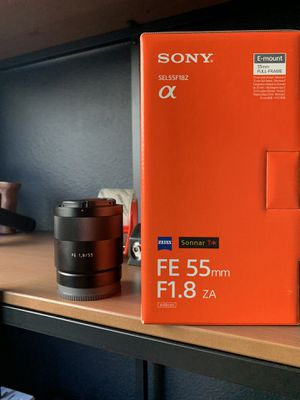 Sony Zeiss 55mm 1.8 lens for Sale in Rio Vista, CA