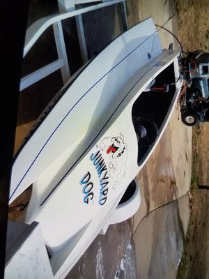 Boat Hydro 40 horsepower new seats but they're not put in yet I haven't mounted for Sale in San Bernardino, CA