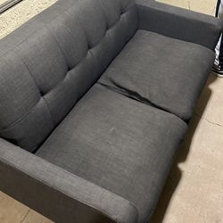 Love Seat Colton Ca for Sale in Moreno Valley,  CA