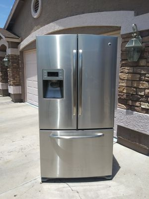 Refrigerator in good condition works very well and very clean. for Sale in Phoenix, AZ