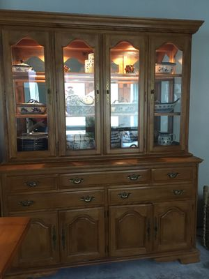 Solid Natural Maple Lighted China Cabinet / Hutch / Buffet / Sideboard / Curio Cabinet - Tons of storage and display! Perfect condition. Orig. over for Sale in Buena Park, CA