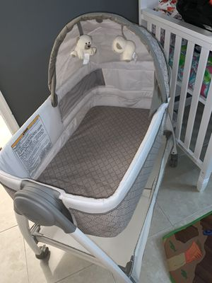 Baby bassinet for Sale in FL, US