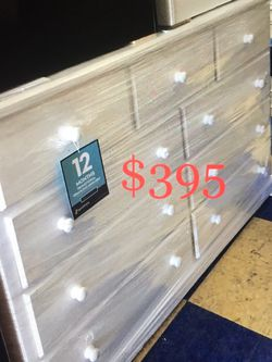 9 Drawers Chest Dresser Any Colors New Solid Wood for Sale in Long Beach,  CA