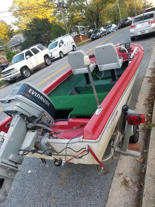 VERY Nice Boat and trailer for sale motor Evinrude 25 horse power