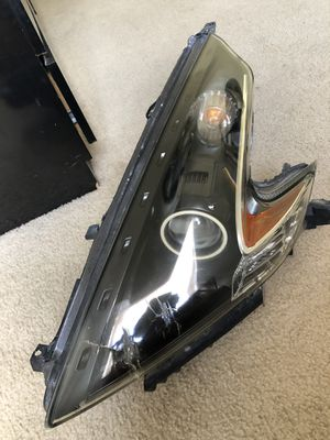 2010 Nissan 370Z headlight for Sale in Orlando, FL