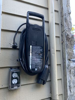 Original car Charger Violt for Sale in Seattle, WA