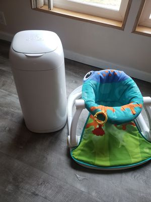 DIAPER GENIE AND BABY CHAIR BUNDLE for Sale in Richland, WA
