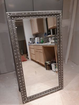 Beautiful wall mirror, not a scratch on it for Sale in Costa Mesa, CA