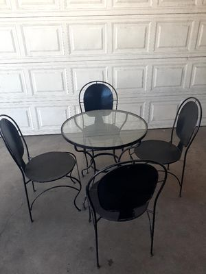 Mesita / Metal dining table outdoor / outside table and chairs / mesa para exterior / patio set / aluminum sillas y mesa de cristal / comedor glass for Sale in Garden Grove, CA