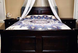 5 piece cherry oak bed suite and Mattress set for Sale in Millbrook, AL