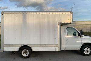 Ford F450 Super duty 2006 box truck for Sale in Miami Gardens, FL