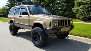 EXCELLENT RUNNING CONDITION 2000 Jeep Cherokee for Sale in Daly City, CA