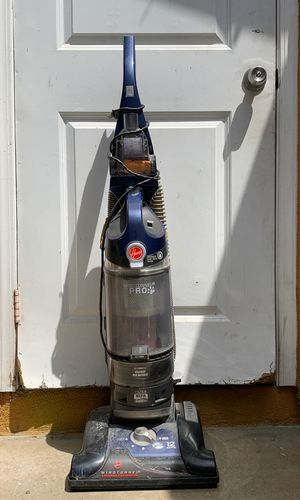Hoover wind tunnel pro vacuum for Sale in Los Angeles, CA