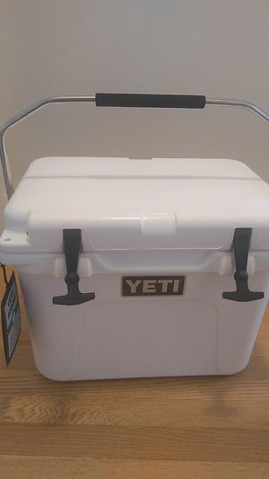 Yeti Cooler - Roadie 20 for Sale in Baltimore, MD
