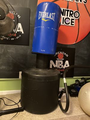 Everlast Water or Sand Freestanding Punching Bag for Sale in West Bloomfield Township, MI