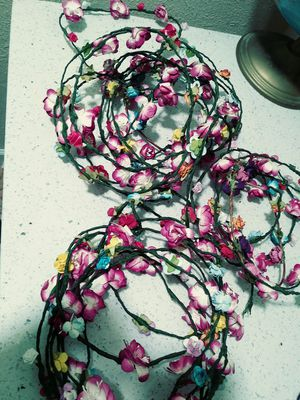 20 flower crowns NEW $10 for Sale in Tucson, AZ