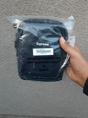 Supreme shoulder bag for Sale in Carson, CA
