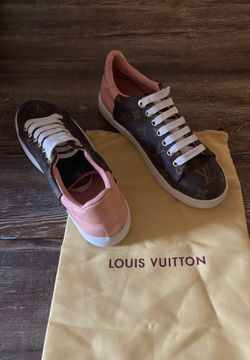 Louis Vuitton-low cut sneakers for Sale in Oklahoma City,  OK