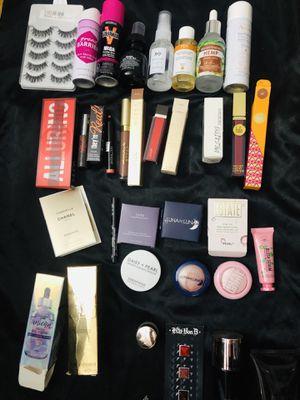 Beauty box ipsy Sephora birchbox allure huda yves saint laurent for Sale in New York, NY