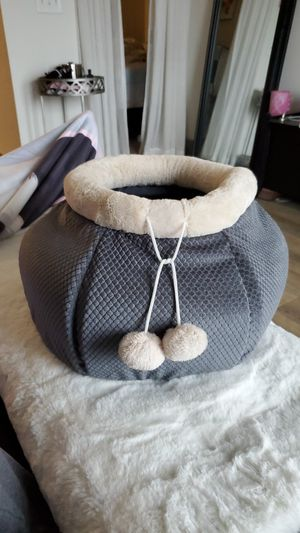 Small Dog/Cat Pouch Cuddler Bed for Sale in Nashville, TN
