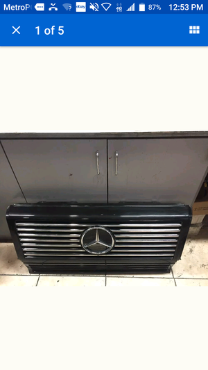 Mercedes-Benz, G - Wagon, original Front Grill assembly with Benz emblem. for Sale in Miami, FL
