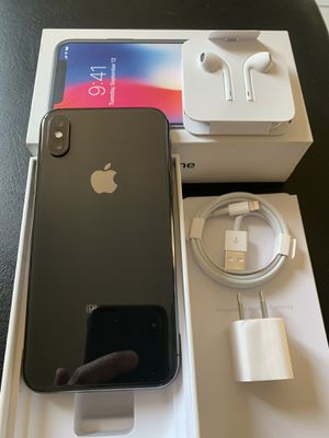 iPhone X space gray unlocked for any carriers 64gb for Sale in Rosemead, CA
