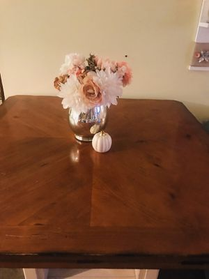 Solid Wood Dinning table for Sale in Freehold, NJ