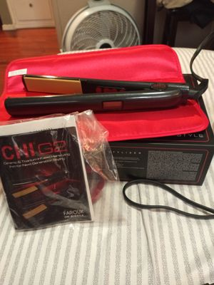 CHI G2 HAIR STRAIGHTENER 1 INCH WITH THERMAL MAT for Sale in San Diego, CA
