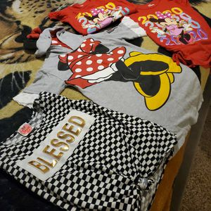 Girls Shirts FREE for Sale in Tampa, FL