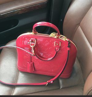 Authentic Louis Vuitton alma pm bag for Sale in Quincy, MA