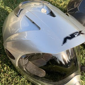 2 Helmets Good Condition for Sale in Kingsburg, CA