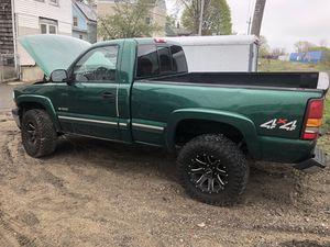 2000 Chevy Silverado ( parts) for Sale in Salem, MA