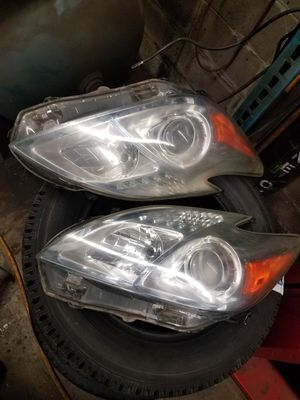 Toyota prius headlight assembly for Sale in Lynn, MA