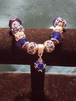 Crystal And Glass Bead Charm Bangle for Sale in Philadelphia,  PA