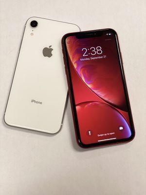 IPHONE XR 128gb desbloqueado con garantia for Sale in Malden, MA