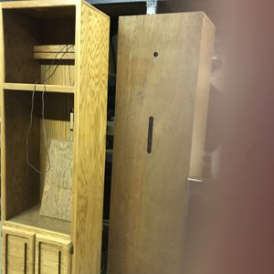 Older wall unit , 2 side cabinets with two shelves that attaches on top for Sale in Upland, CA