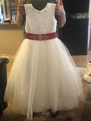 4t / 5t flower girl dress for Sale in Aurora, OR