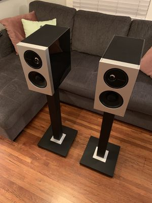 Definitive Technology Demand D9 Bookshelf Speakers & ST1 Stands for Sale in San Diego, CA