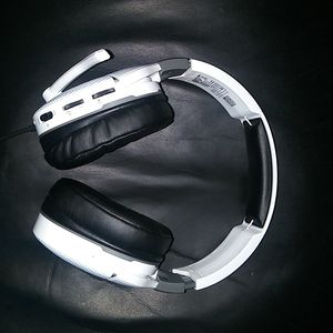 Recon 200 Turtle Beach headset for Xbox one & Ps4 for Sale in The Bronx, NY
