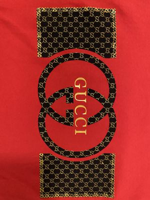 Authentic Gucci shirt FREE DELIVERY for Sale in Miami Gardens, FL