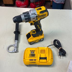 """Brand New . Dewalt 1/2"""" HAMMERDRILL with 20V 8AH Battery and Fast Charger for Sale in Portsmouth, VA"""