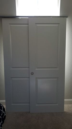 White Sliding Closet Door for Sale in Hayward, CA