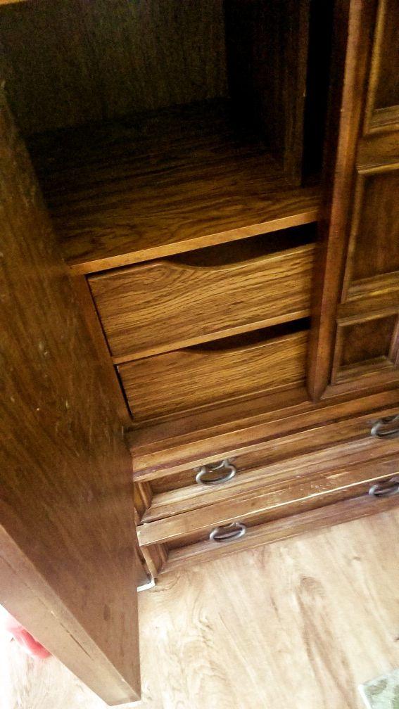 Family Wooden Wardrobe Closet
