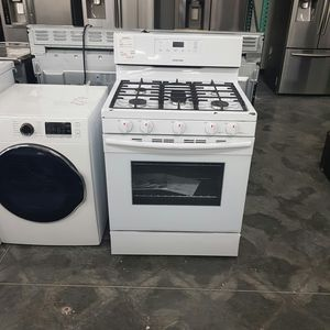 NEW Whirlpool Gas Range 30inch for Sale in Chino Hills, CA