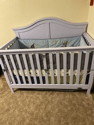 Baby crib dream on me with mattress and mattress cover / crib bedding set for Sale in Vallejo, CA