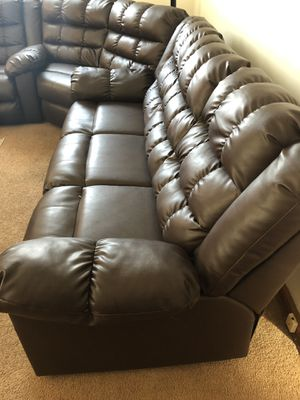 Recliner Brown couch for sale axing Price 500 for Sale in Midlothian, IL