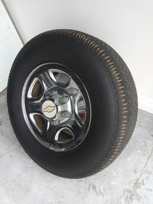 TIRES Uniroyal P235/75 RXL 109S for Sale in Chula Vista, CA