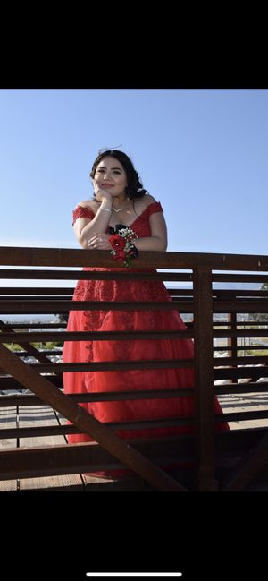 Red prom/quince dress for Sale in San Bernardino, CA