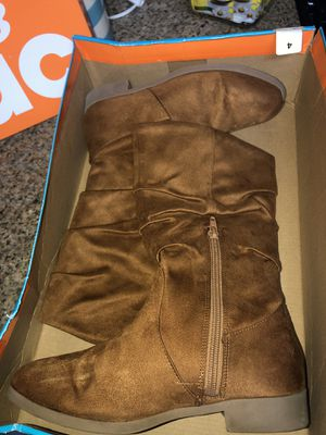 Girl boots size 4 for Sale in Spring, TX