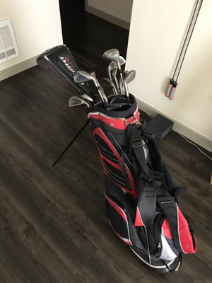 Golf club complete set with bag and a bunch of balls. for Sale in Kent, WA